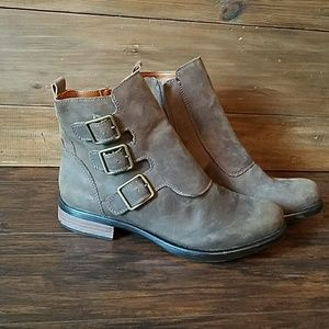 Lucky Brand booties size 8 1/2